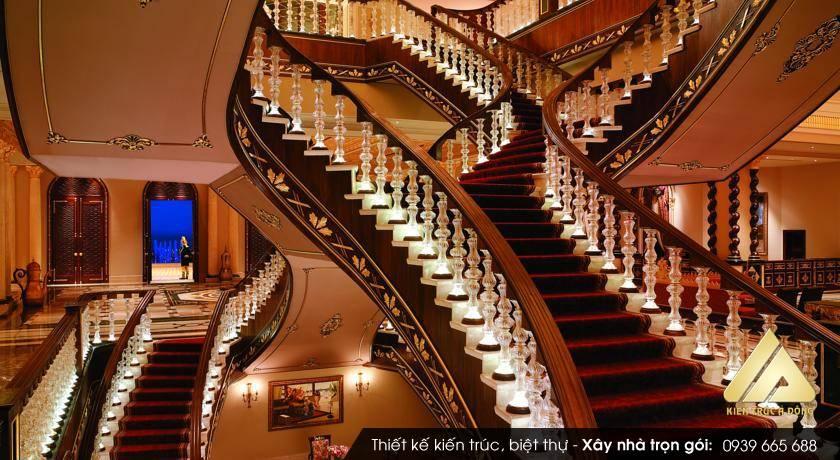 Mẫu biệt thự cổ điển 3 tầng cao cấp ở TP. Hà Nội